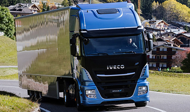 Strategia IVECO dotycząca samochodów ciężarowych napędzanych LNG